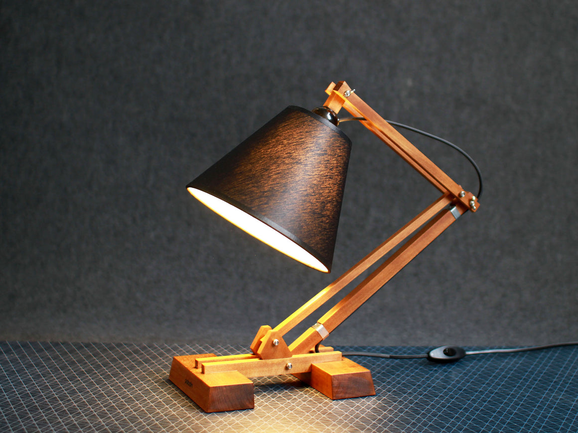 KIBIK adjustable table lamp
