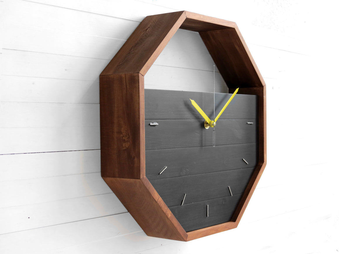 OSEM geometric wall clock/shelf