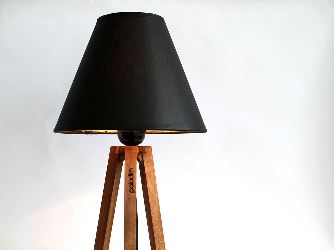 PERGEL tripod table lamp
