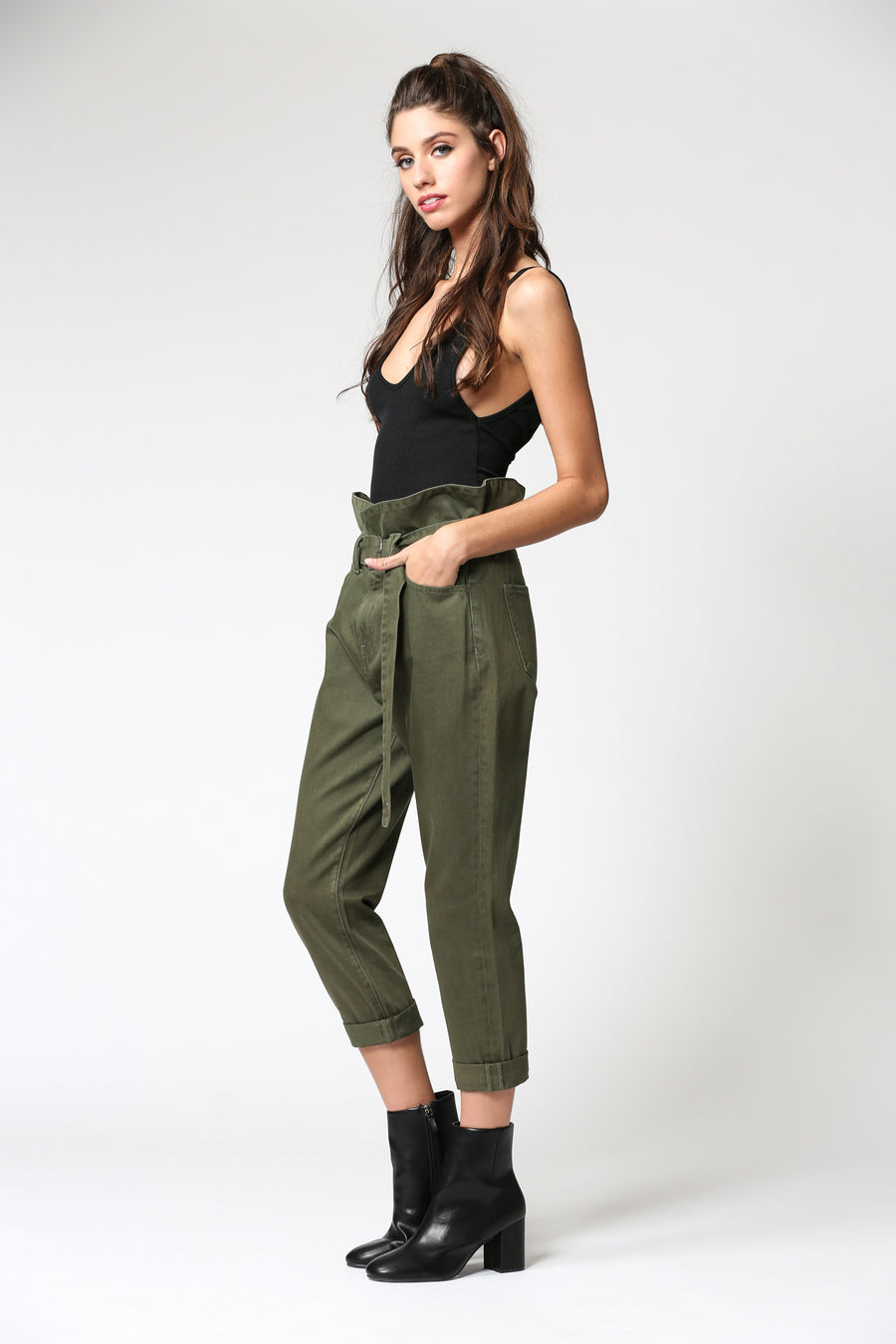 ZOEY <p/> OLIVE PAPERBAG MOM JEANS