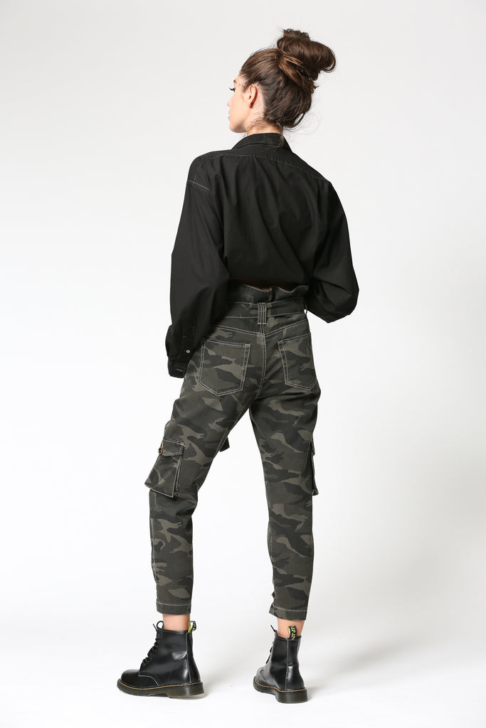 ZOEY <p/> MEDIUM CAMO HIGH RISE PAPERBAG MOM JEANS