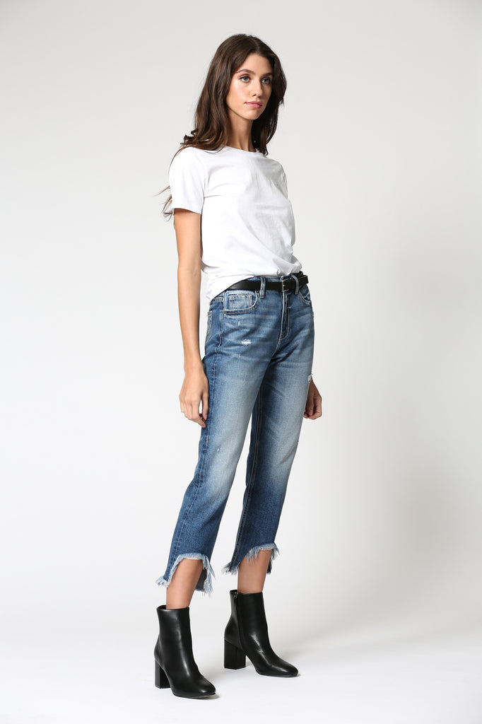 ZOEY<p/> DARK WASH HIGH RISE FRAYED MOM JEAN