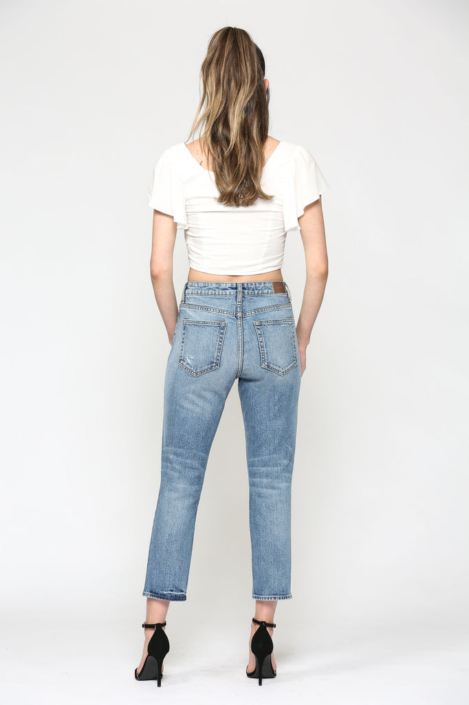 ZOEY<p/> CLASSIC MEDIUM WASH MOM JEAN