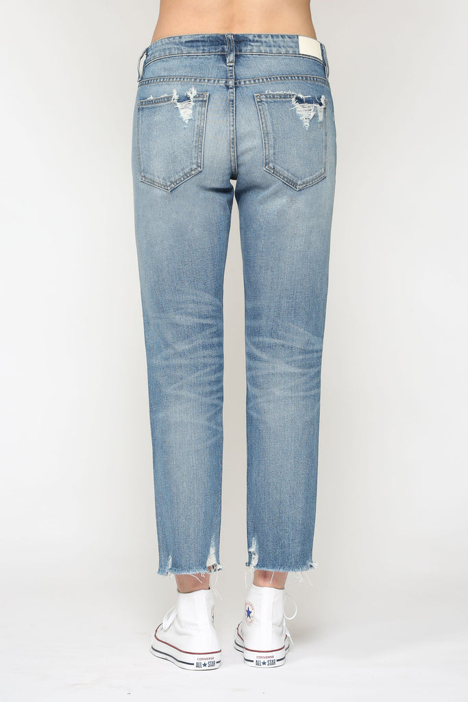 BAILEY<p/> MEDIUM WASH SLIM BOYFRIEND