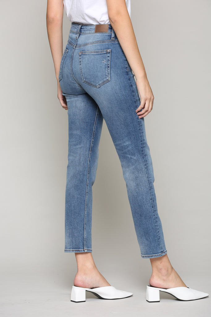 ZOEY <p/> MEDIUM WASH WITH FRONT YOKE DETAIL SLIM MOM JEAN