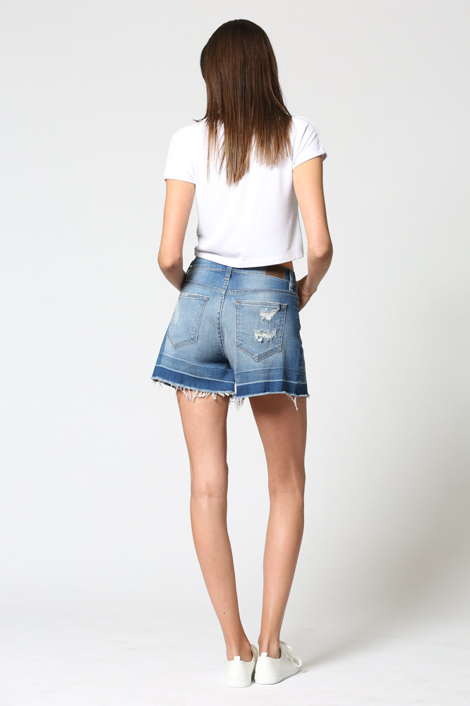 SOFIE <p/> Medium Wash Hem Detailed Mom Shorts