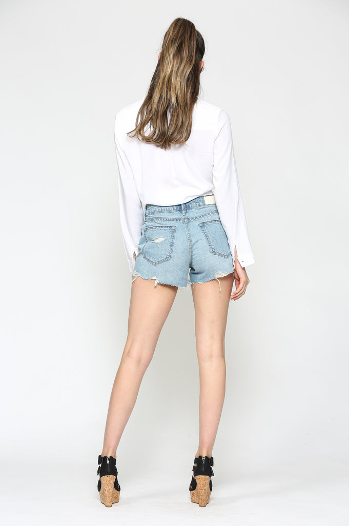SOFIE <p/> LIGHT WASH MOM SHORTS