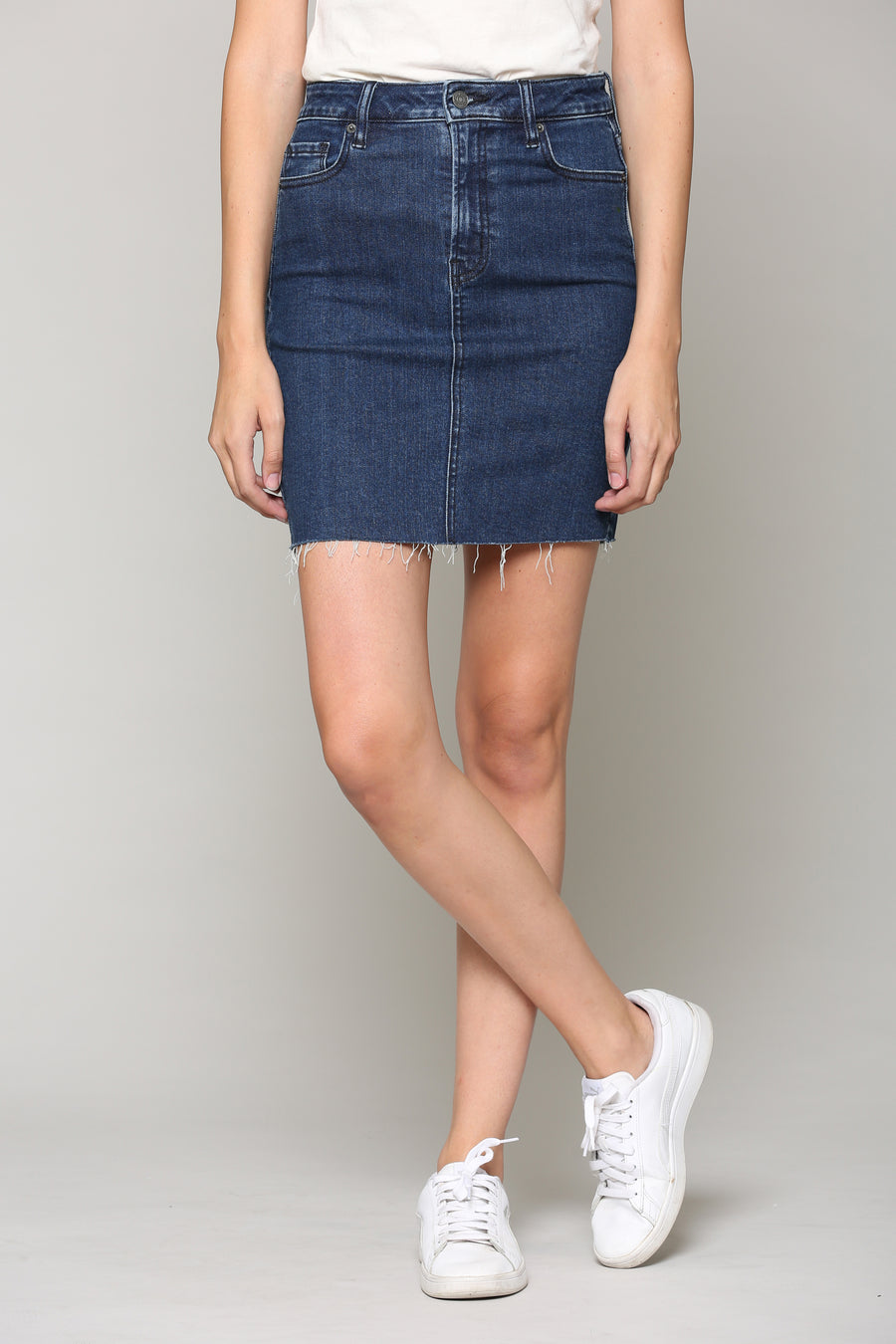 PEYTON <p/> DARK WASH STRETCH MINI SKIRT