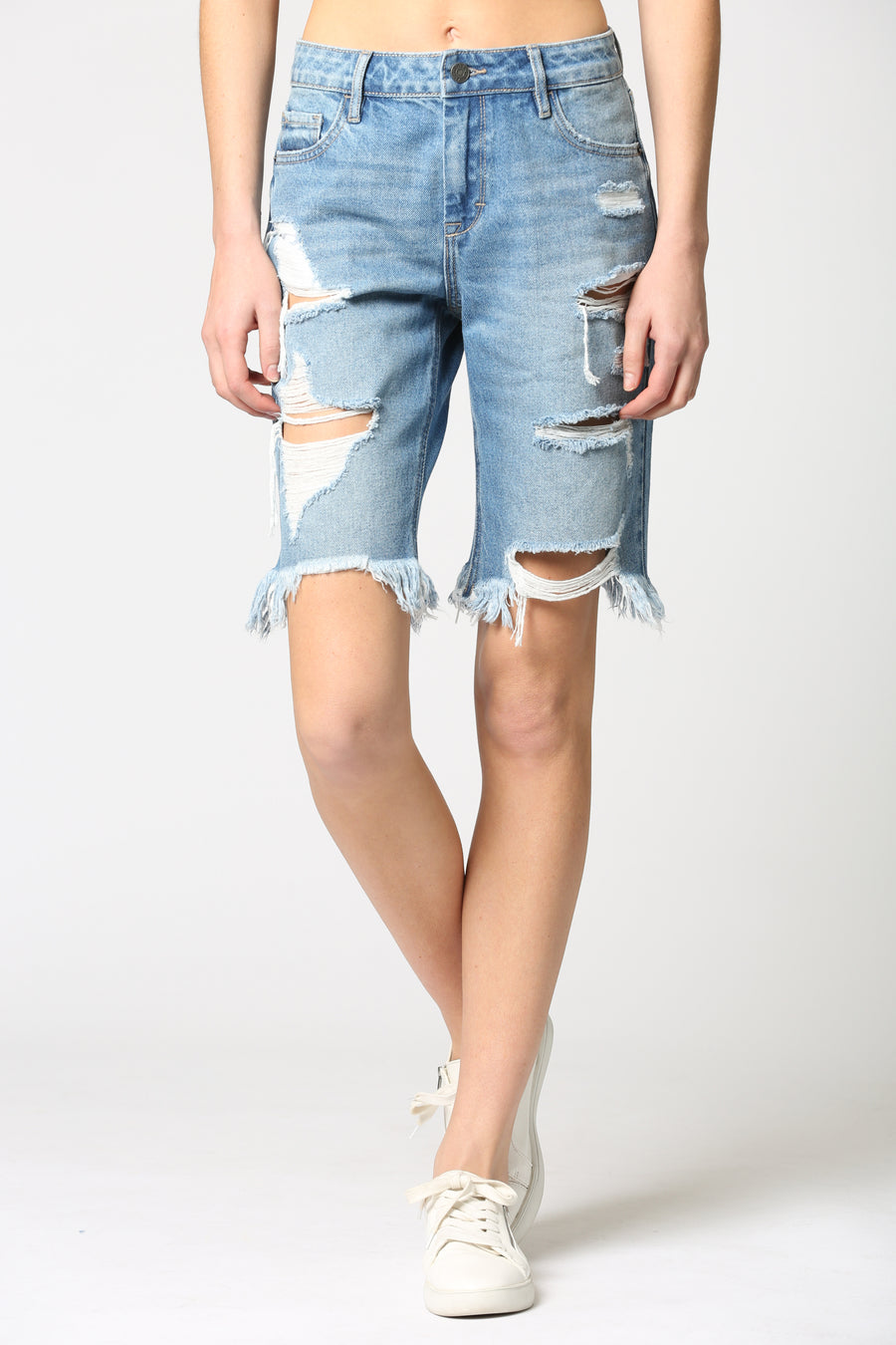 MARLIN <p/> MEDIUM WASH DISTRESSED BERMUDA