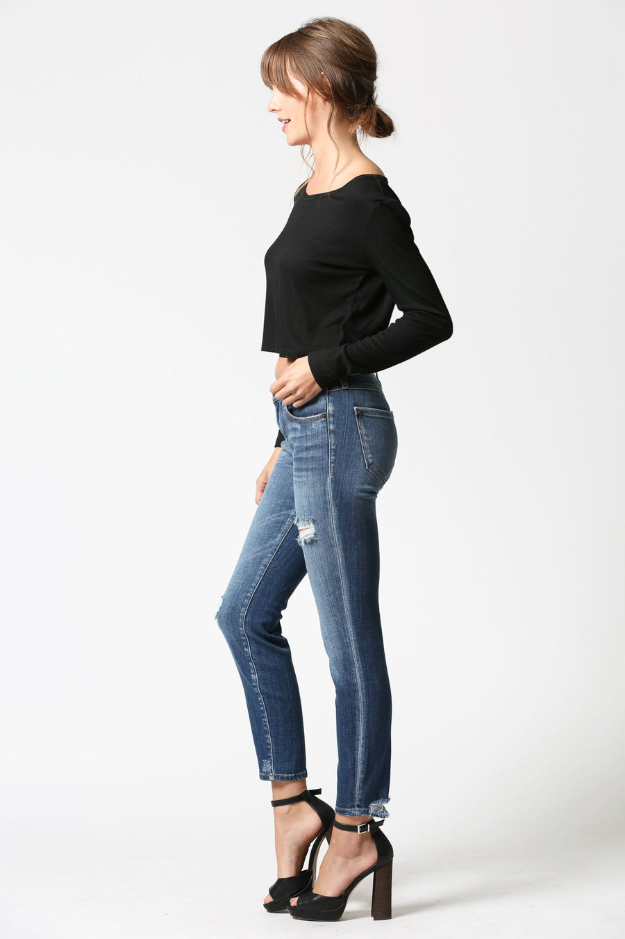 AMELIA <p/> Medium Wash Distressed Skinny