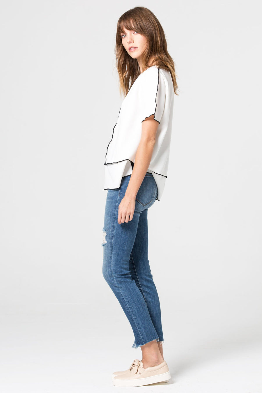 AMELIA <p/> Medium Wash Skinny with Distressed Hems