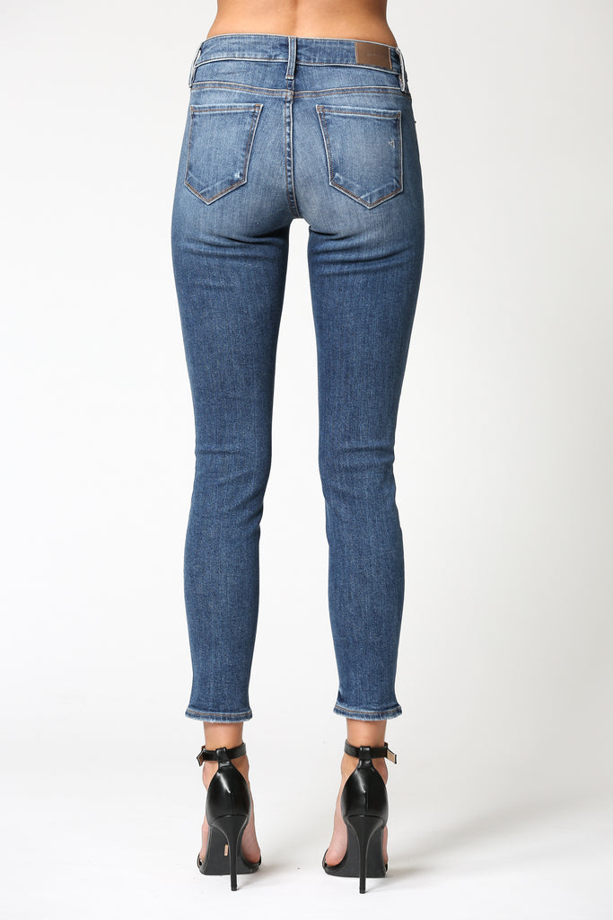 AMELIA <p/>MEDIUM WASHED HEM DETAILED SKINNY