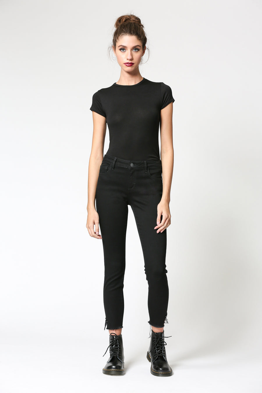 AMELIA <p/> BLACK HEM DETAILED CROP SKINNY