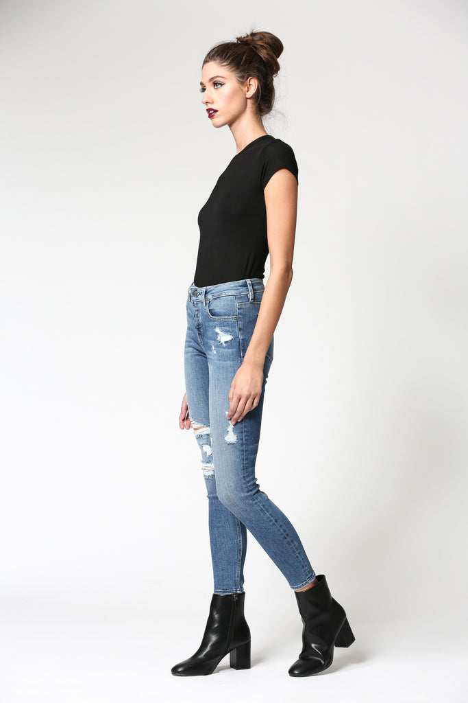AMELIA <p/> MEDIUM WASH MID RISE SKINNY WITH EXPOSED FLY