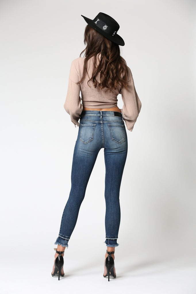 AMELIA <p/> MEDIUM WASH SKINNY WITH HEM DETAIL
