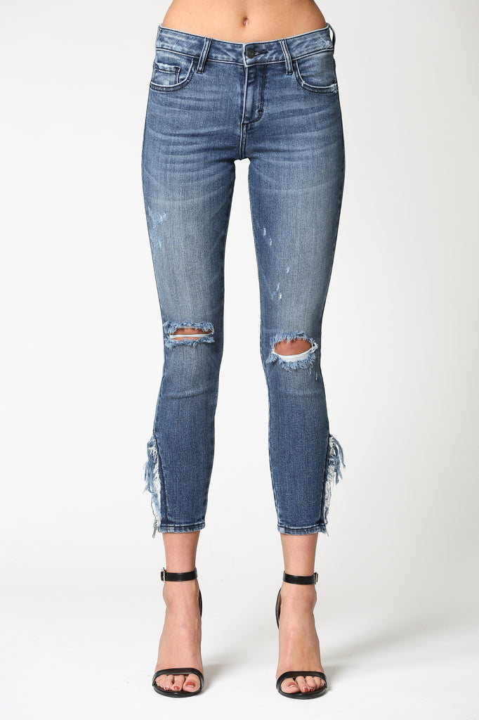 AMELIA <p/> DARK WASH MID RISE FRAYED ZIPPER SKINNY