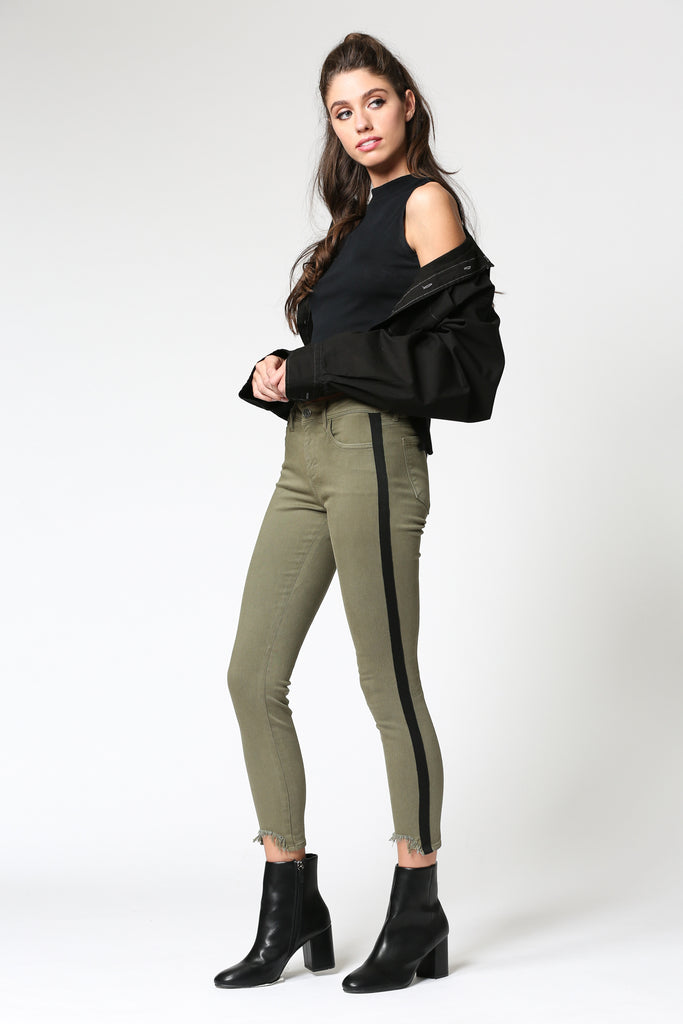 AMELIA <p/> OLIVE FRAYED HEM SPORTS STRIPE SKINNY