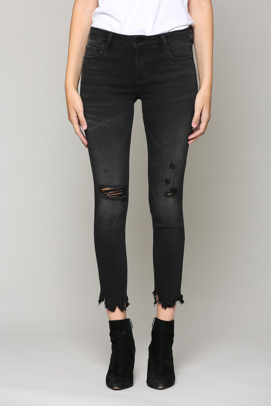 AMELIA <p/> BLACK WASH FRAYED HEM SKINNY