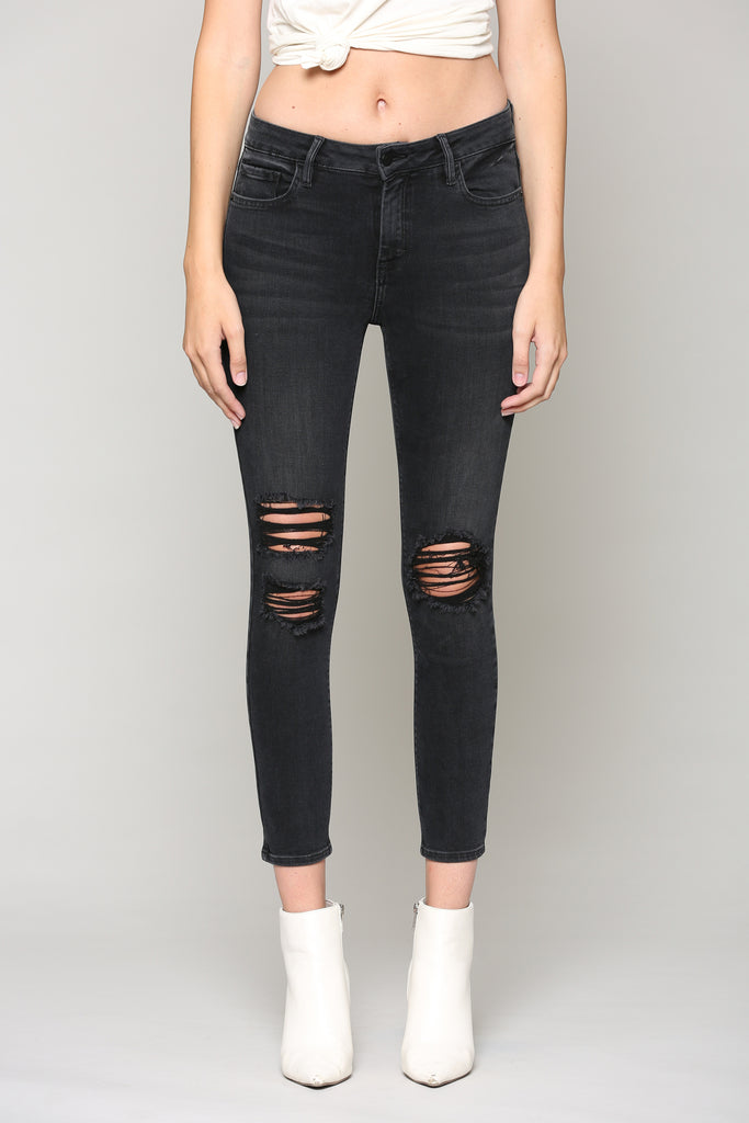 AMELIA <p/> BLACK WASH DISTRESSED SKINNY