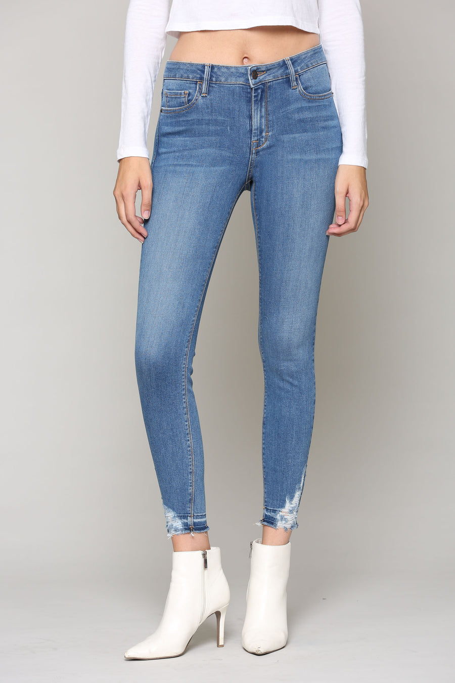 AMELIA <p/> MEDIUM WASH DETAILED HEM SKINNY