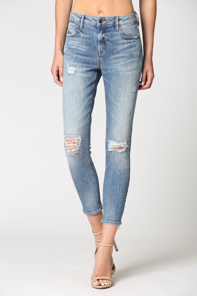 AMELIA <p/> MEDIUM WASH DISTRESSED CLOSED HEM SKINNY