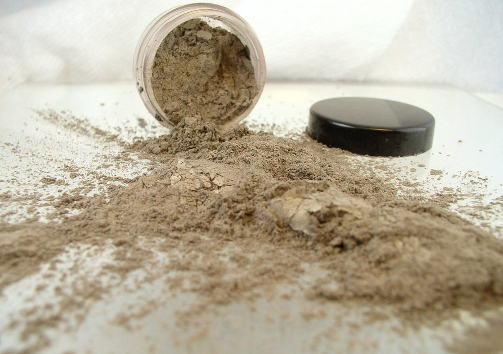 vegan eyeshadow by The All Natural Face in fairy mist (shimmer)