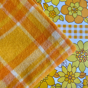 ORANGE 70's Wool Blanket RETRO Bed Home Fabric SOFT & PLUMP