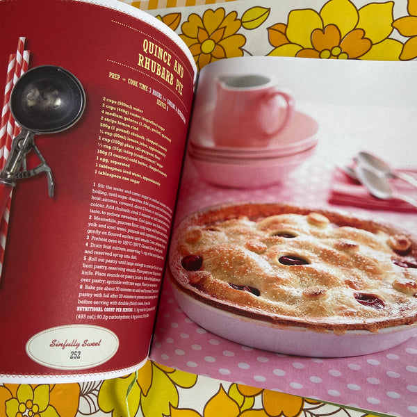 The Retro Cookbook Women's Weekly BEAUTIFUL Hard COVER Book