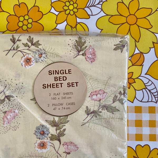 UNUSED Single BED Sheet Set in Packaging 2 Flat & 2 Pillow Cases