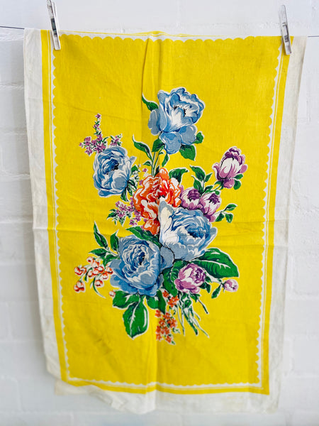 Cute Floral Vintage 60's Tea Towel Very PRETTY