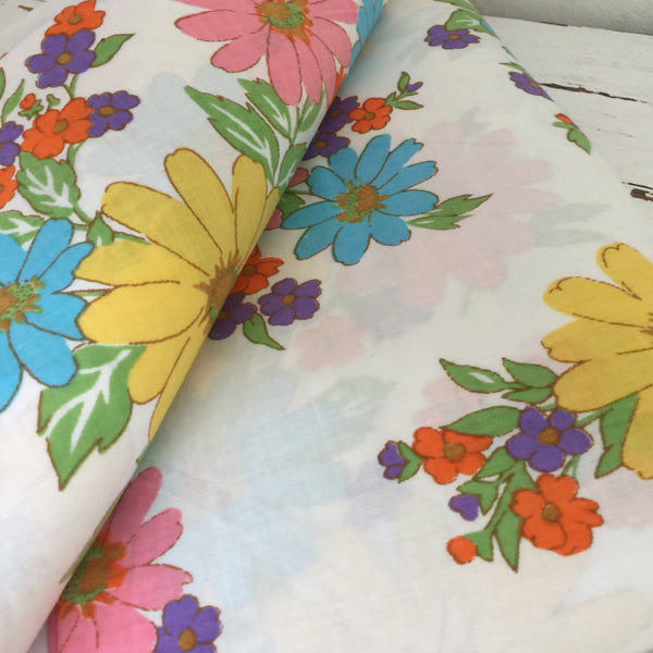 CRISP Vintage Cotton PILLOW CASES Pair Retro Home