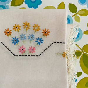 EMBROIDERED Table Cloth White Pretty Stitching Vintage CHARMING