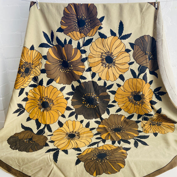 AWESOME Round Table CLOTH 70's Large Bold Brown Floral Print