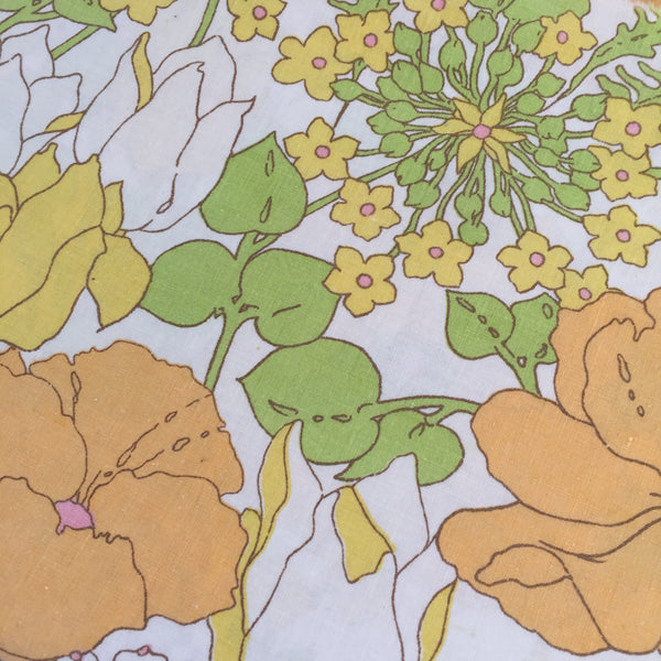 Cute Vintage Cotton Sheet Fabric REMNANT Sewing Craft