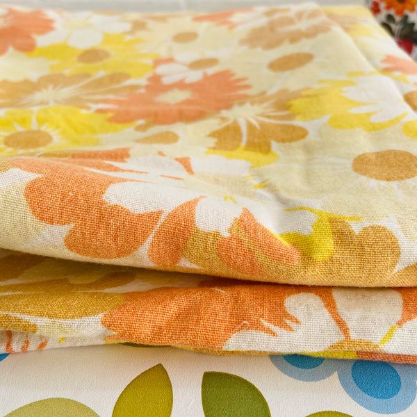 FUNKY Retro 70's Foral Sheet Craft Sewing Fabric