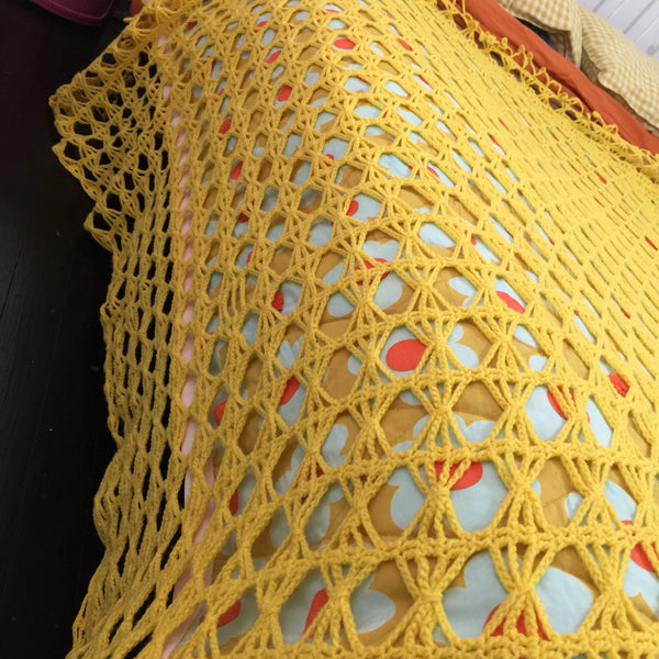 YELLOW Knitted Blanket Bed TOPPER Fun Childs Bedroom Rug Bedspread Vintage