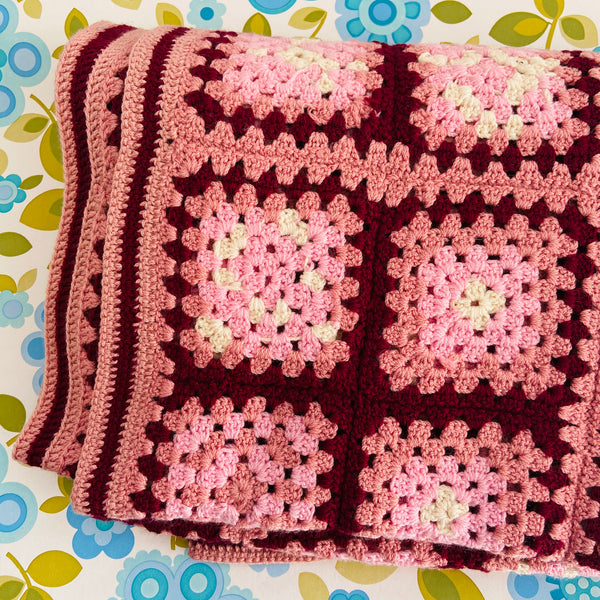 Handmade Blanket Beautiful Vintage Condition Granny Squares