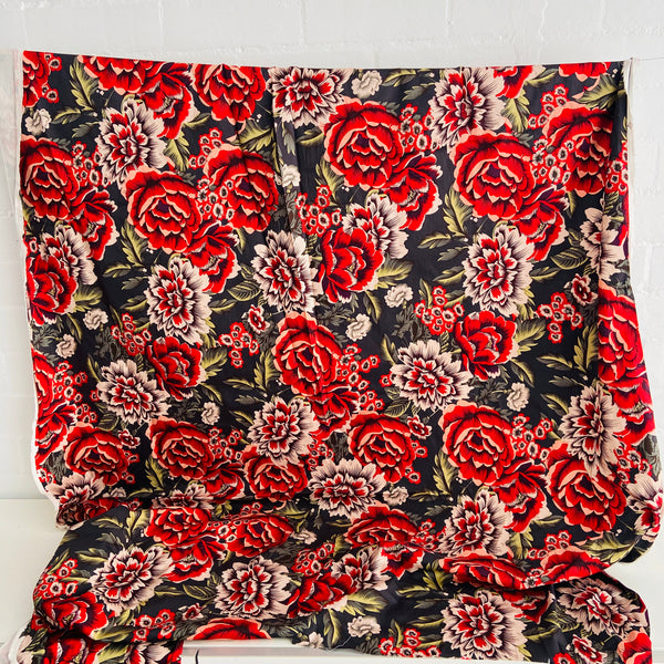 Cute Roses Vintage Fabric Craft Sewing Large Bold Print