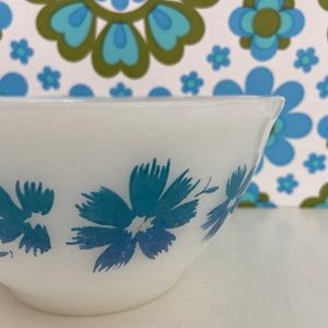 PYREX Blue Floral Vintage RETRO Bowl COLLECTABLE