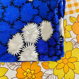 Vintage Dress FABRIC Great Print & Colour Palette HUGE
