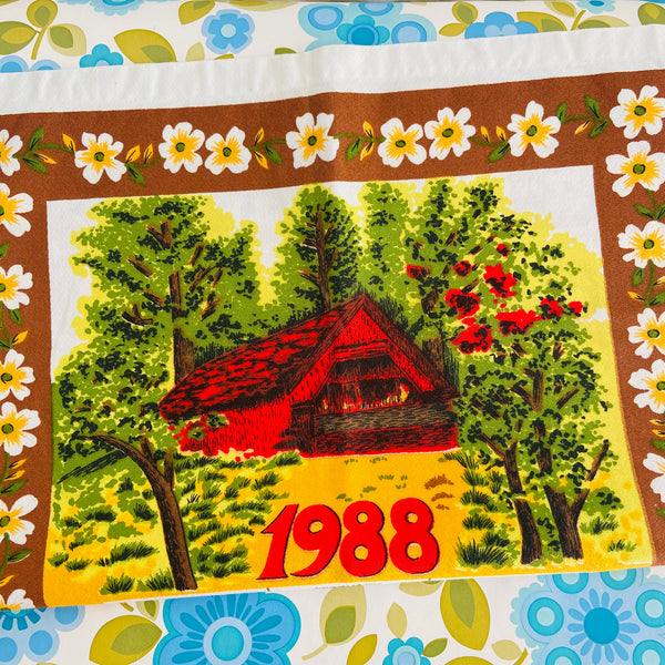 ADORABLE 1988 Tea Towel RETRO Souvenir Collectable