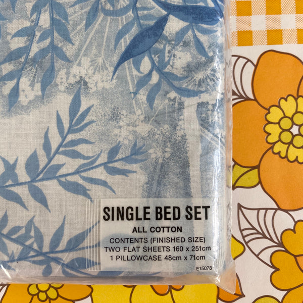 Lifelong Cotton Sheet Set Two Flat Sheets & Pillow Cases
