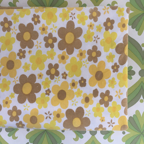 Bright Funky All Cotton Vintage Single Sheet FLORAL Retro Fabric