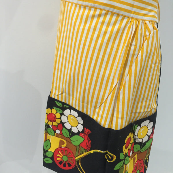 FLORAL Apron GORGEOUS Retro PRINT Kitchen Vintage Charm Stripes