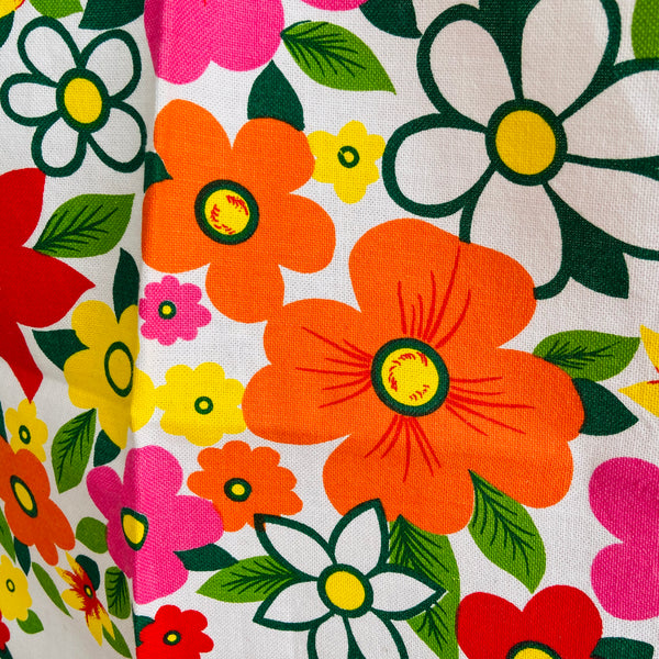 STUNNING unused RETRO Bright Floral 70's TABLE CLOTH Cotton