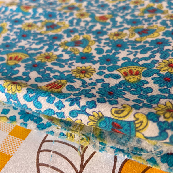 ADORABLE Cotton Vintage Blue Floral Bell FABRIC Quilting Sew