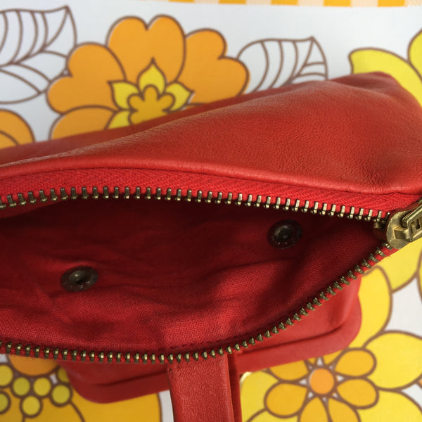 ADORABLE Unused Vintage RED Leather Purse RETRO Chic