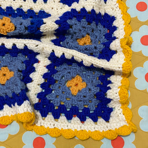 BEAUTIFUL Wool Crochet Blanket Excellent Cond FRESH & CLEAN