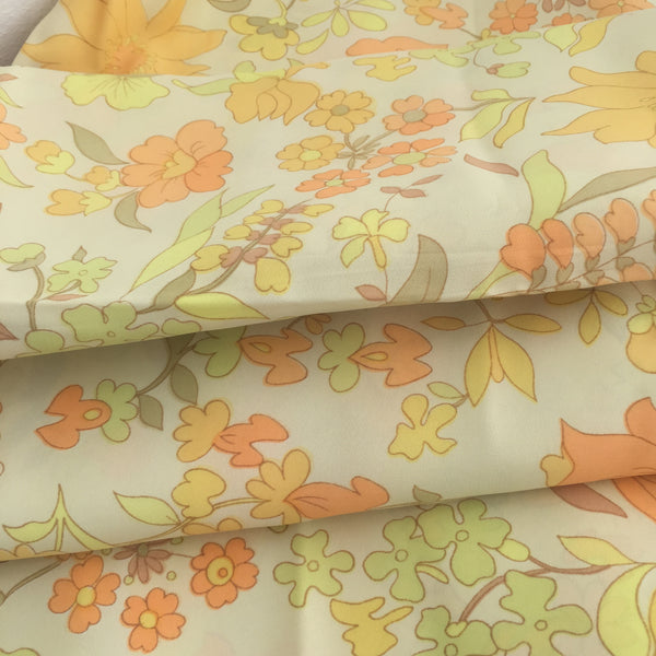 Cute Floral Fabric RETRO Vintage Craft Sewing Yellow