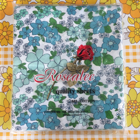 UNUSED Retro Vintage Cotton Blue Floral Sheet STUNNING x 1